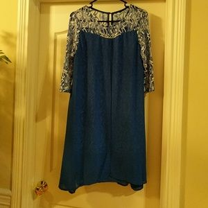 Beautiful dress! Great for office or night out!
